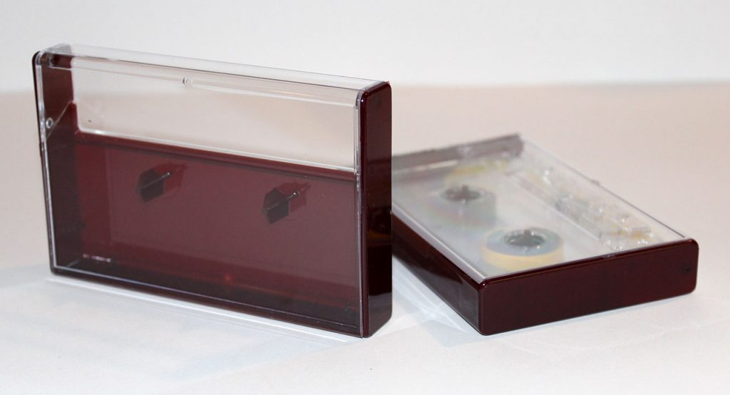 Burgundy Norelco cassette case from Duplication.ca