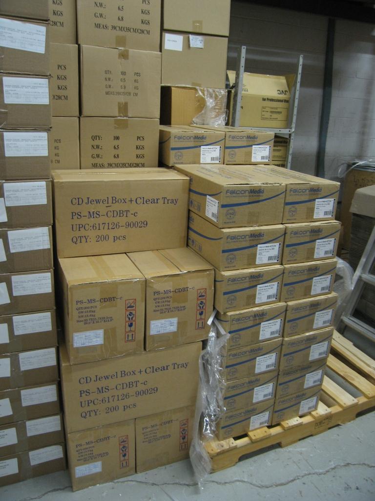 picture regarding Printable Dvds named Established of 600 blank Falcon 061 Inkjet-Printable DVDs with Expert DVD Predicaments